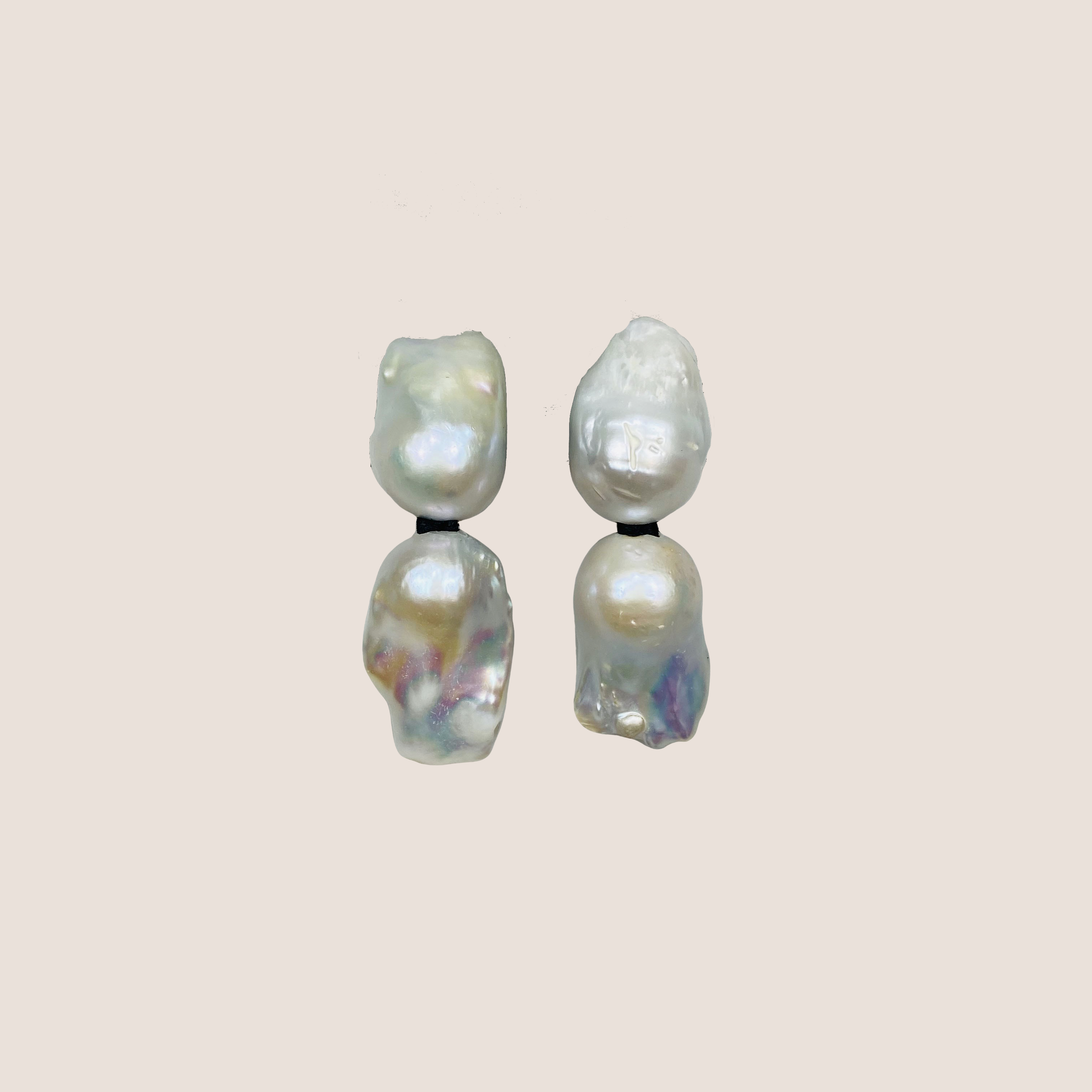 Baroque 2 Pearls Earclips