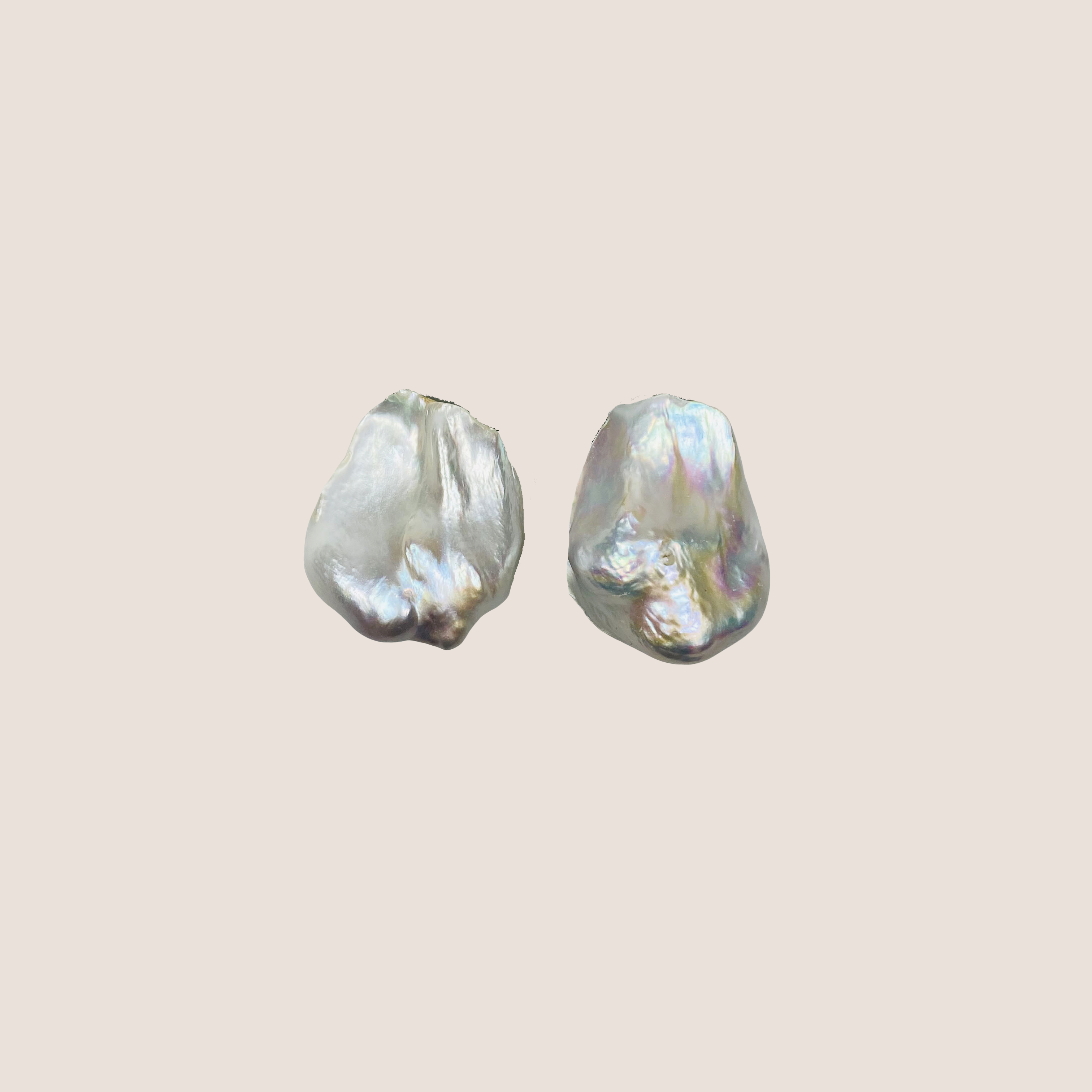 Baroque 1 Pearl Earclips