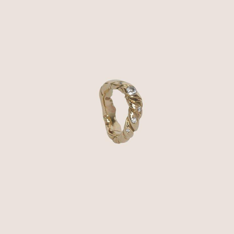 Tut Ring
