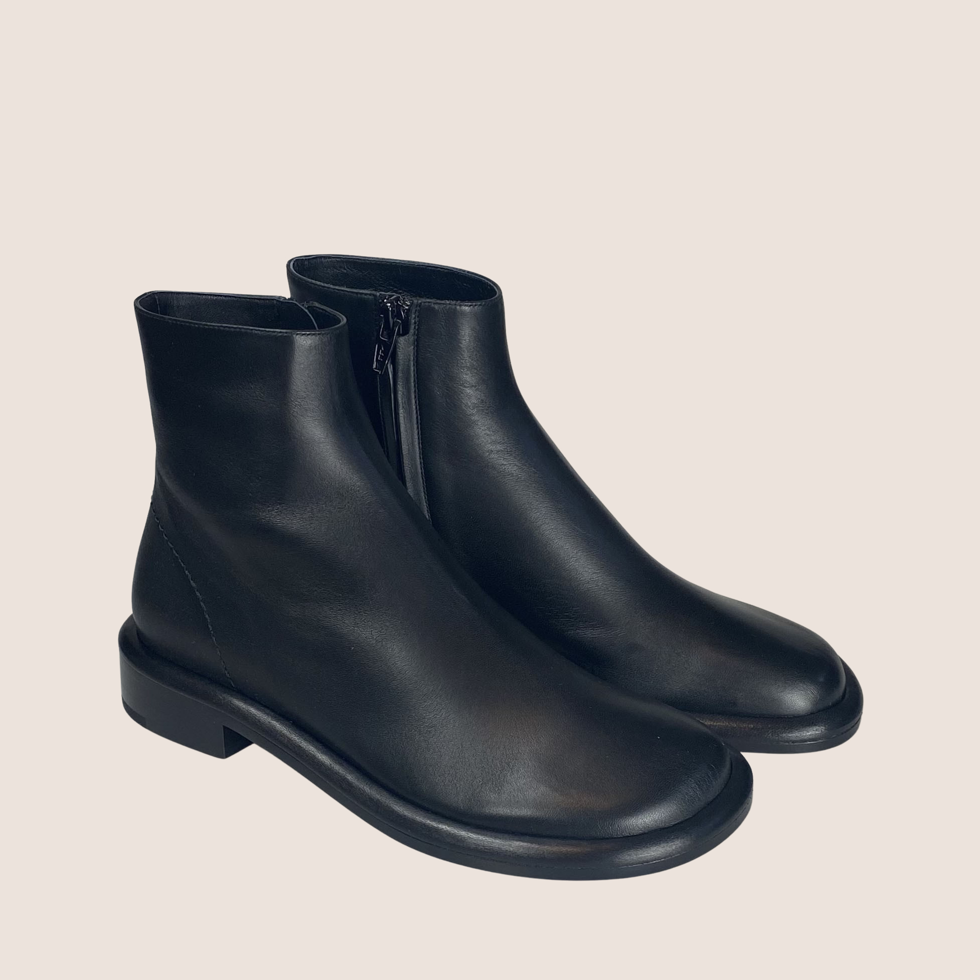Pipe Ankle Boots