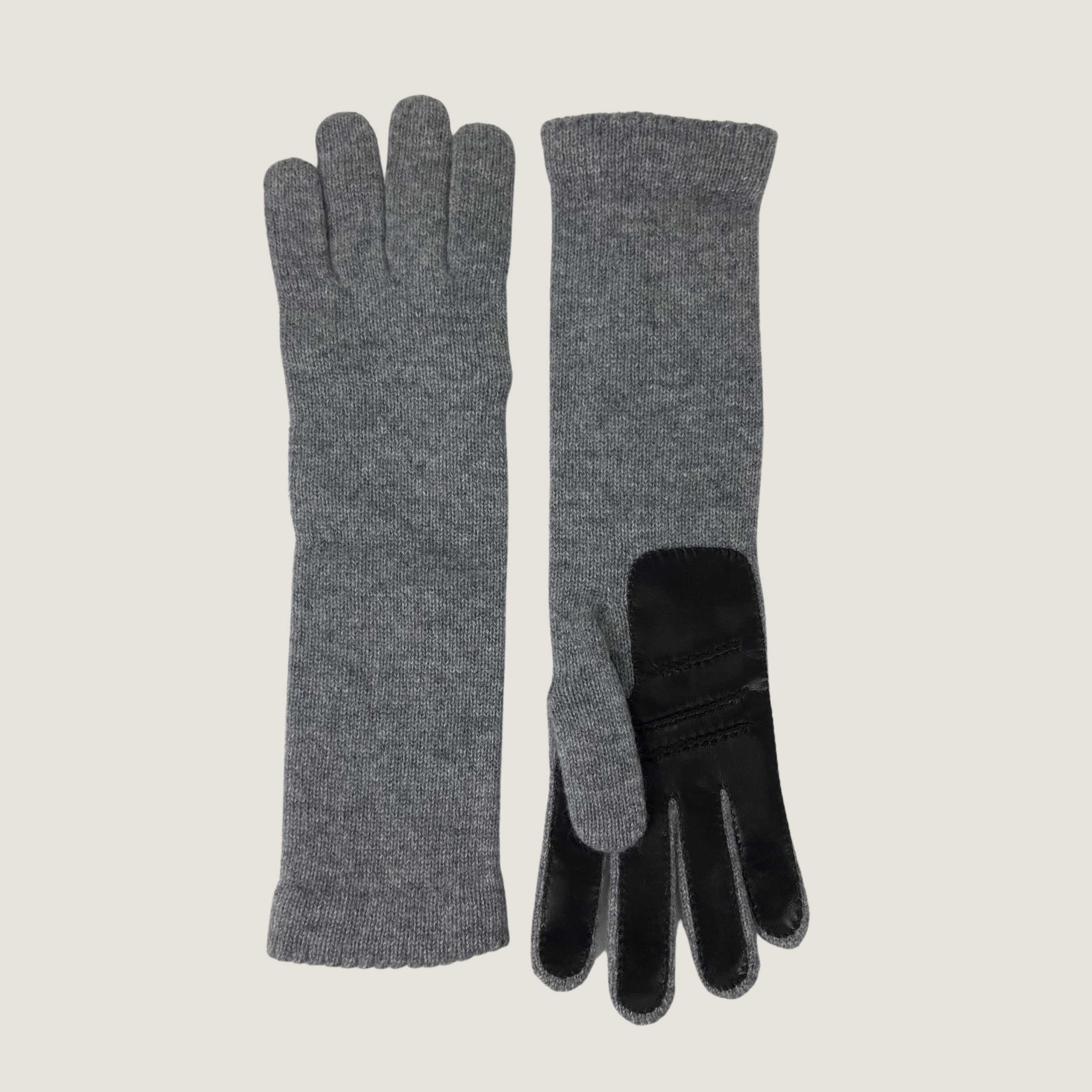 Knitted Gloves With Leather Patch